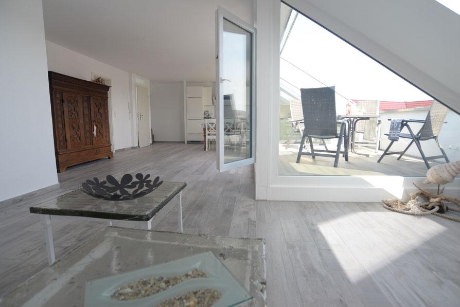 76 qm Wohnfläche, 4-5 Personen, sehr exklusiv & komfortabel, Vollausstattung, Waschmaschine. WLAN, 4 K Media, absolut NR- sehr ruhig & hell, Küche vollausgestattet