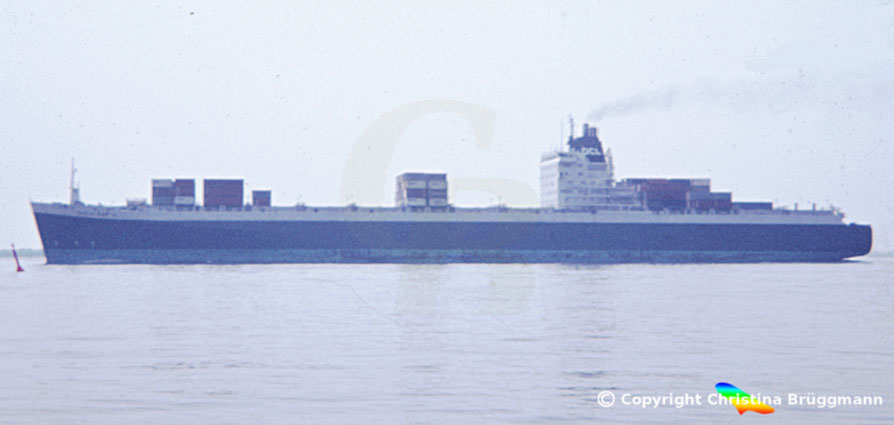 "OCL Containerschiff der 3. Generation ""TABLE BAY"" 1982"