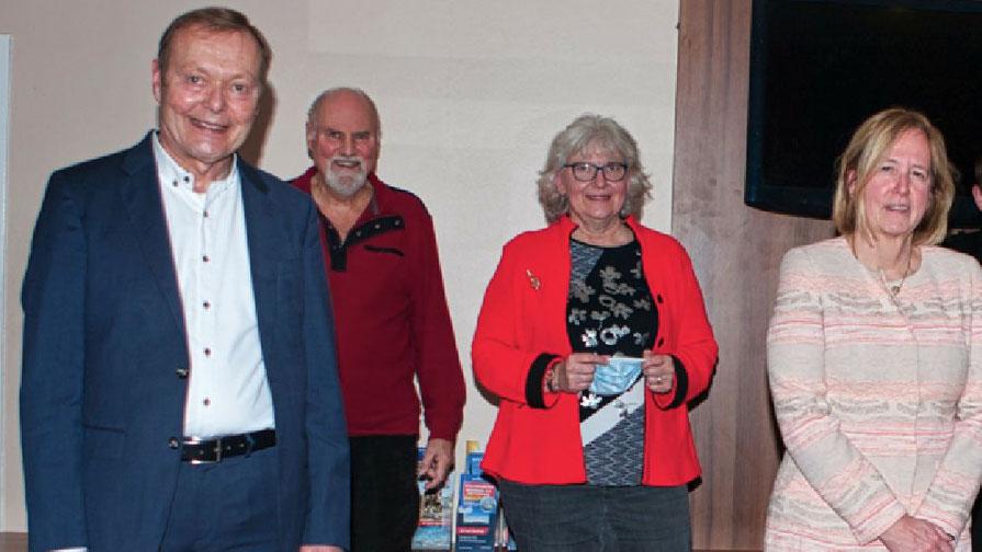 Bernd Weiher leitet gemeinsam Ragna Köppl (ganz rechts) den Stadtverband, Annegret Tegen ist als Fraktionsvorsitzende Mitglied im Vorstand ebenso wie Thomas Dänecke (2.v.l.)