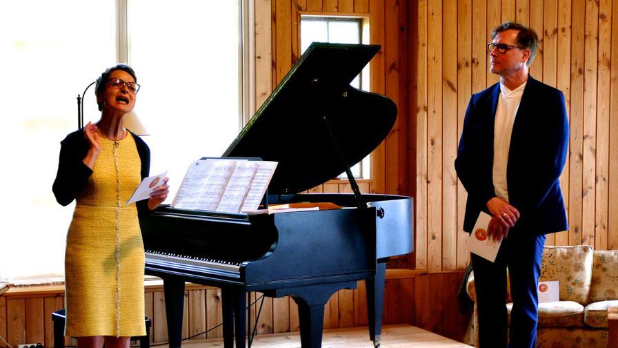 Bettina Schneider und Robert Gnadl gestalteten das Programm des Abends