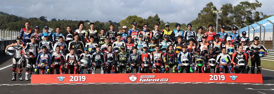 Gruppenfoto aller Fahrer des European Talent Cup 2019
