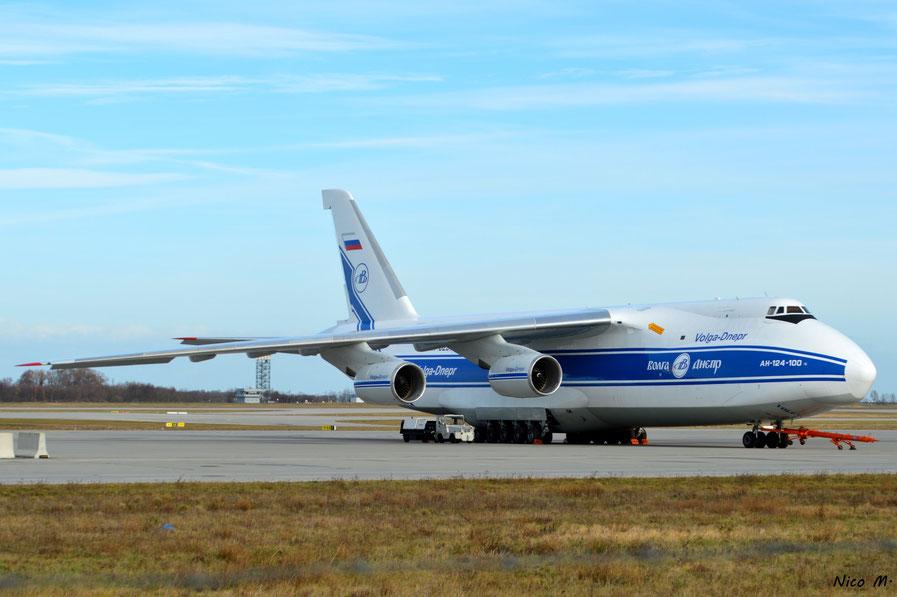 An-124 (RA-82074)