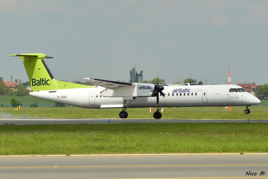 DHC-8-Q400 (YL-BAE)