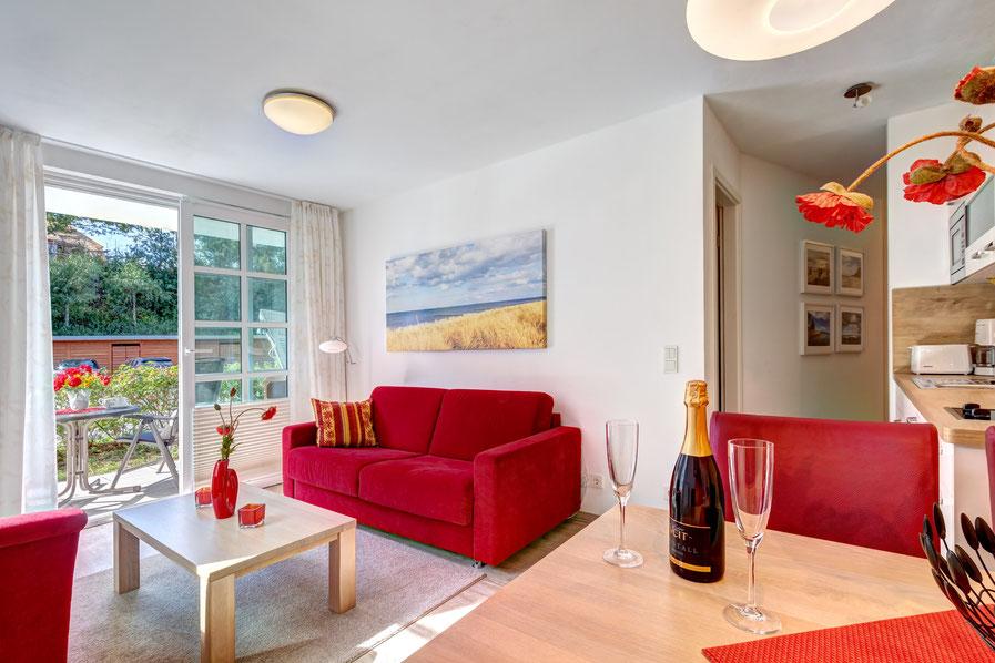 Residenz am Balmer See, Haus B mit Appartement 45, Ferienwohnung GolfundMeer, Wohnzimmer und Essecke, Photo © Tomasz Zając