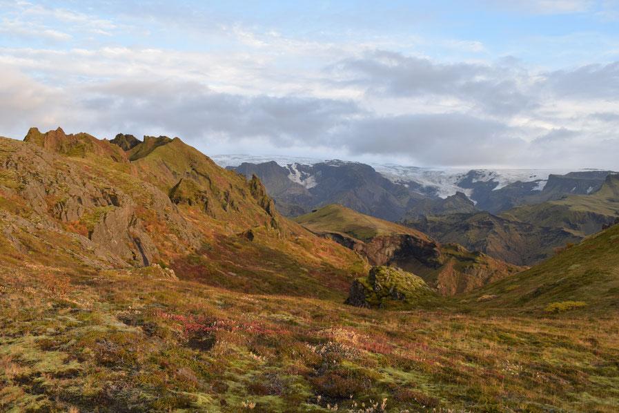 Thorsmork in September - Mýrdalsjökull, Tindfjöll.
