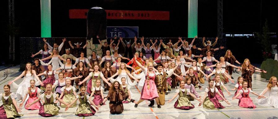 """Tanzgalerie Production """"Rapunzel"""" 2012 (über 70 Tänzer: Steptanz, Ballett, Jazzdance, Irish Dance)"""