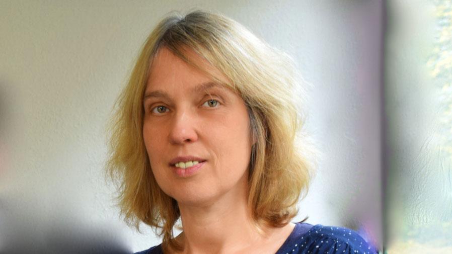 Für Fragen steht Nicole Münster zur Verfügung