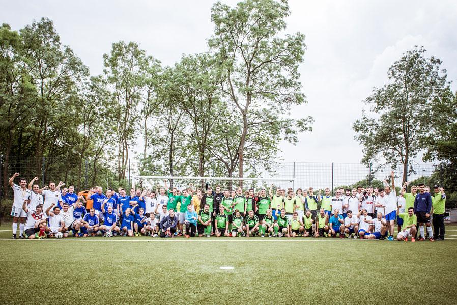 Fußball-Cup, Kommunalwahl, Christian Gaumitz, Fußball, Fußballspiel Kaarst, Gruppenfoto, Mannschaftsfoto, Gruppenbild, SG Kaarst, Kaarst, Bürgermeisterwahl