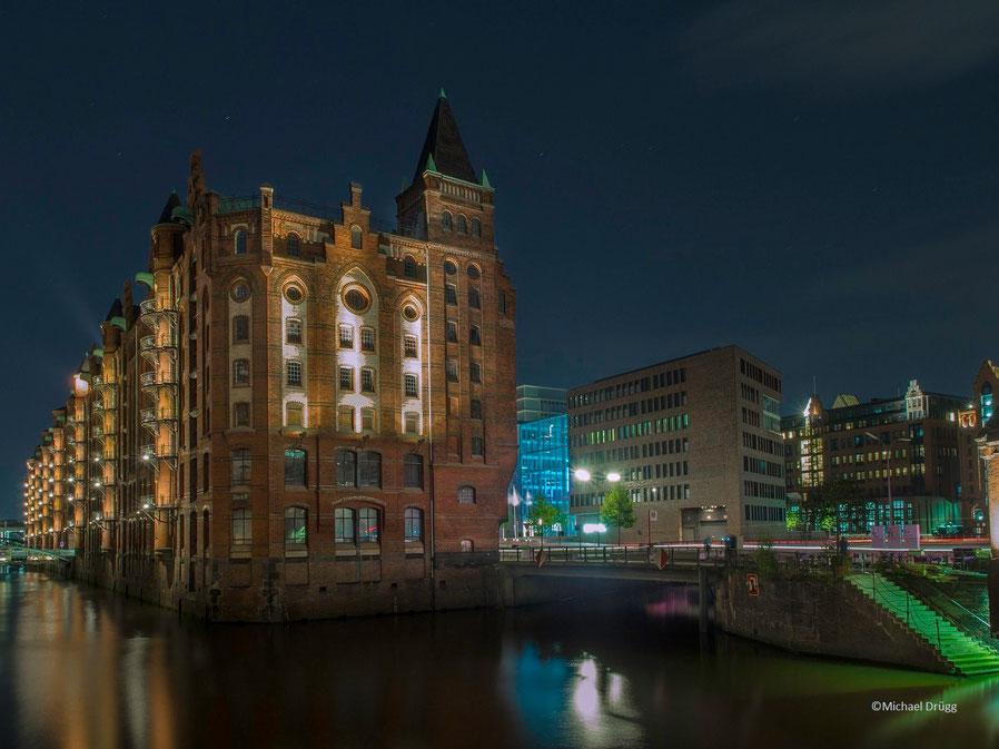 Speicherstadt trifft Hafencity : Der Spannungsbogen zwischen Weltkulturerbe und dem neuesten Stadtteil Hamburgs.