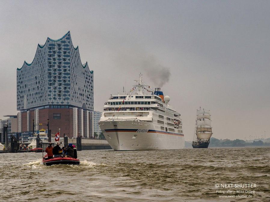 """Die """"Europa"""" von Hapag - Lloyd Kreuzfahrten zu Besuch während der Cruisedays 2015"""