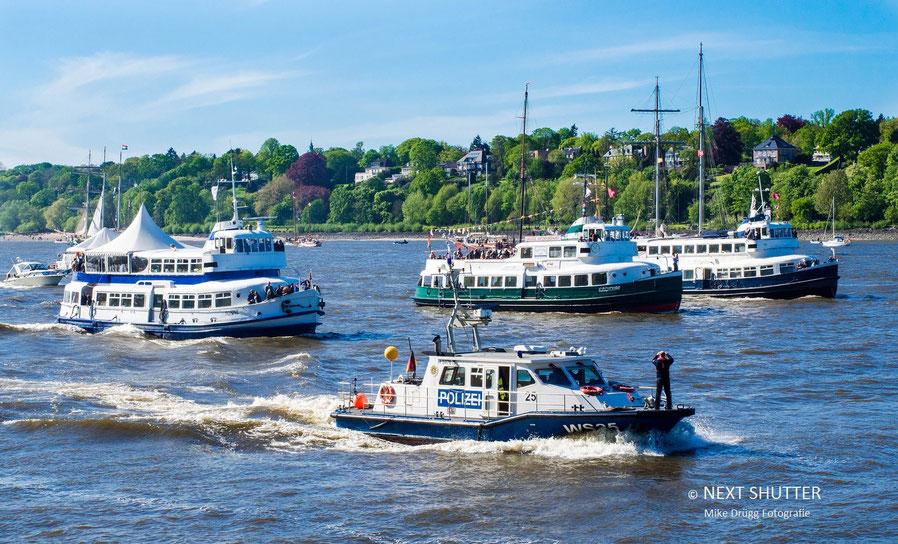 """3 alte HADAG - Fähren im """"Formationsflug"""". Da staunt sogar die Polizei !"""