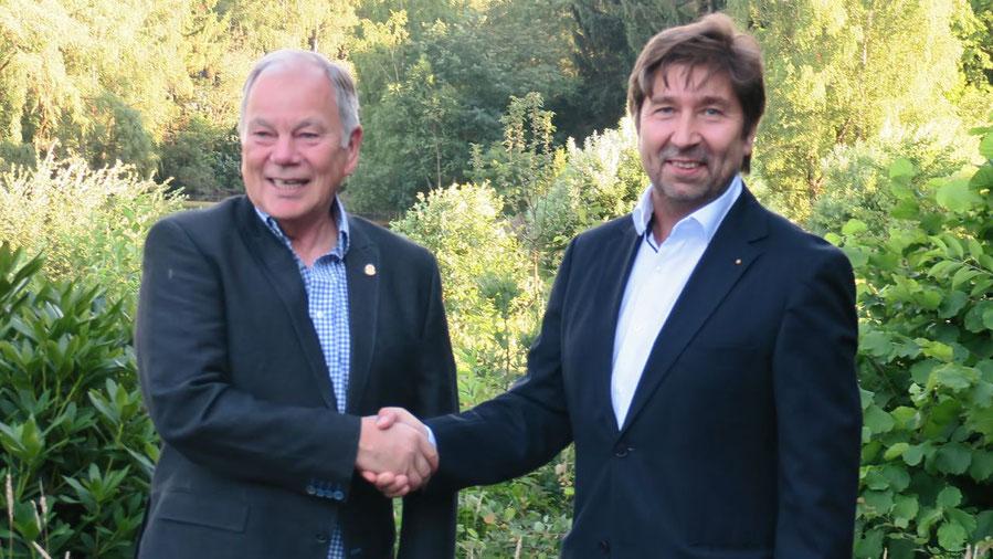 Glückwunsch für den neuen Präsidenten: Stefan Böhme übergab an Robert Hüneburg (v.l.)