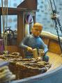 Der junge Lass auf dem Kutter (Modell) Edelweiß Holz hackend