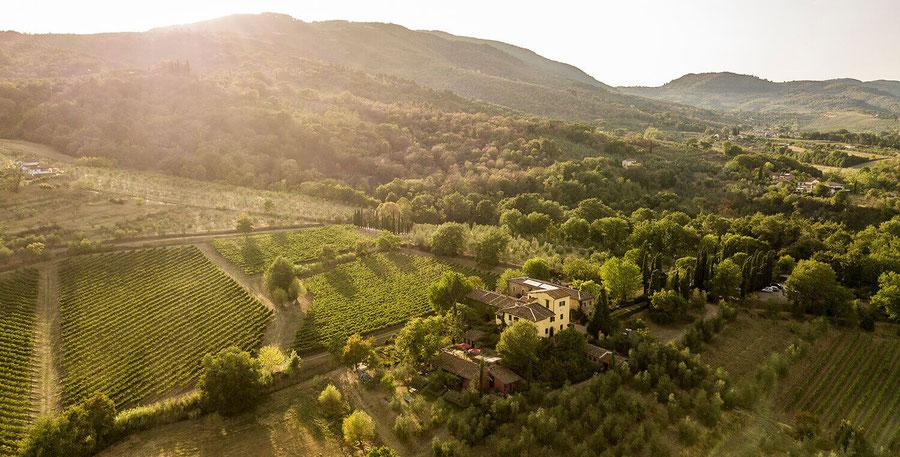 Luchtfoto van de schilderachtige omgeving rond Casanuova