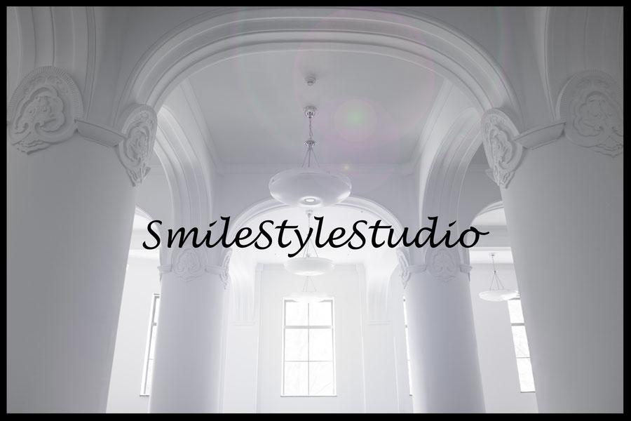 スマイルスタイルスタジオ内 天高4m以上 ヨーロッパバレエスタジオ調