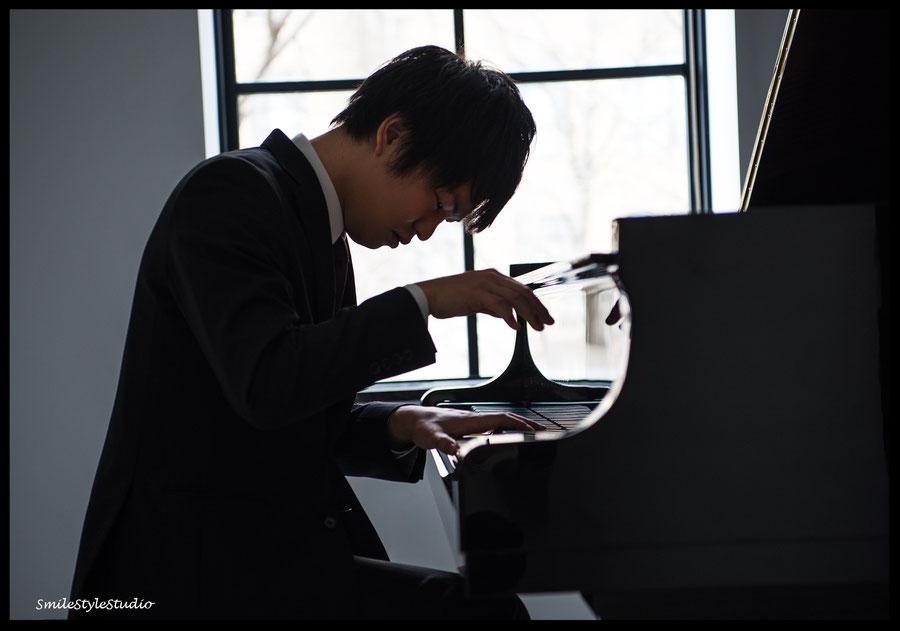 ピアニストプロフィール写真 スマイルスタイルスタジオ