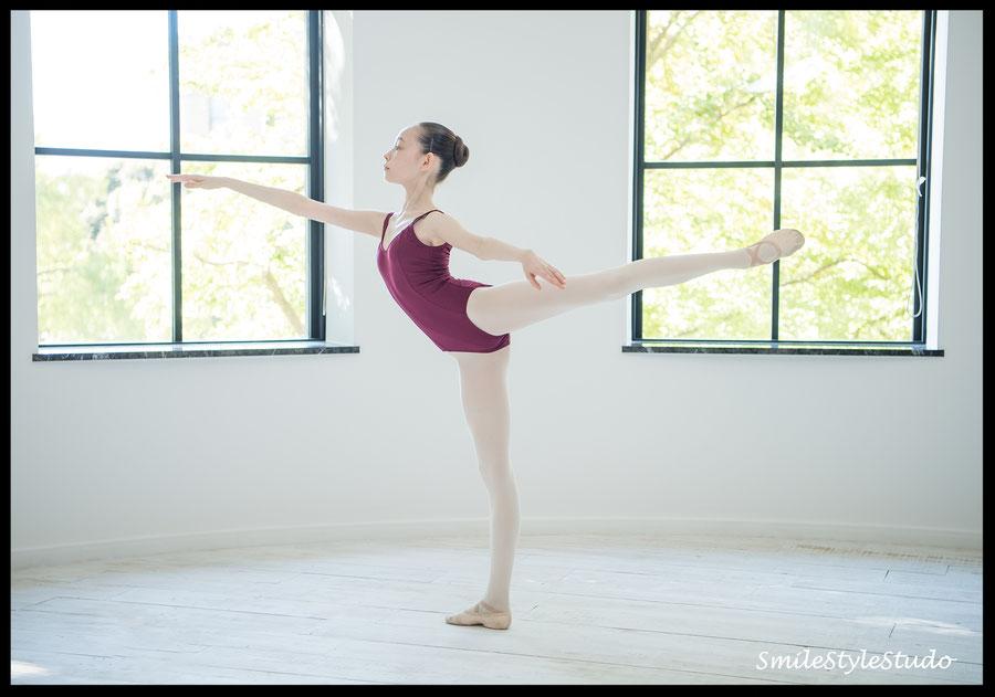 国内外バレエ学校 応募写真 2ポーズ11000 1ポーズ追加3,300 ヘア+メイク9,000より