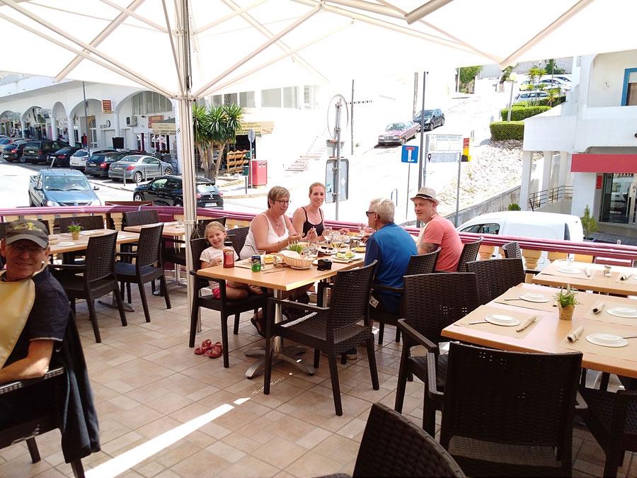 Restaurante Taberna Portuguesa in Carvoeiro,Lagoa,Algarve,Portugal geeignet für Familien Essen mit Kindern.