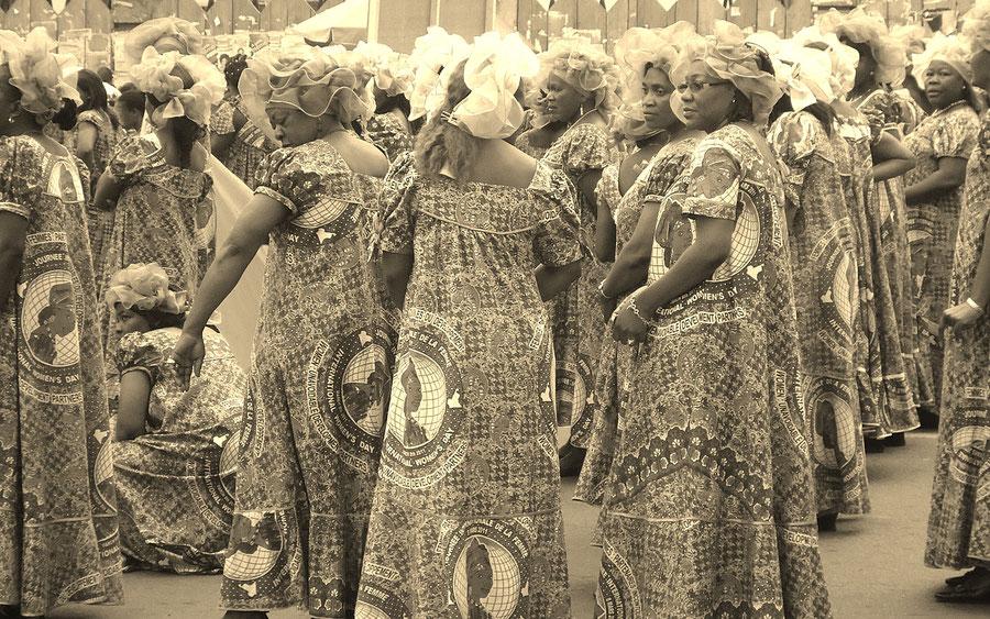 L'année 90 marque la fin, pour la femme camerounaise souhaitant voyager, de l'autorisation maritale préalable