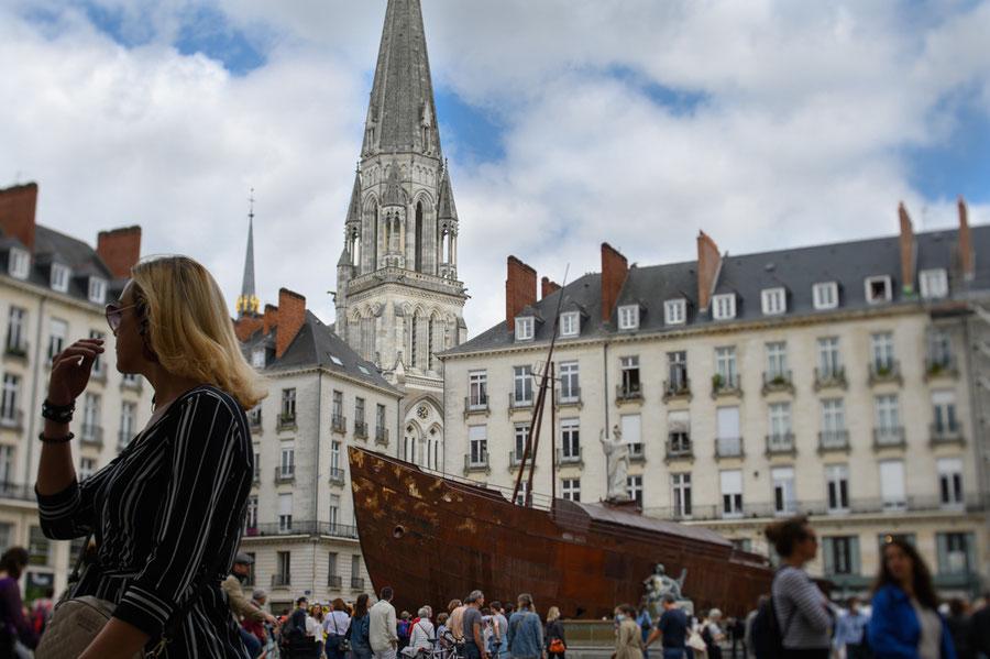 "Le Naufrage de Neptune (Hugo Schiavi) Oeuvre de la manifestation artistique ""Voyage à Nantes"" - A journey to Nantes, artistic event : Neptune's Shipwreck by Sculptor Ugo Schiavi"