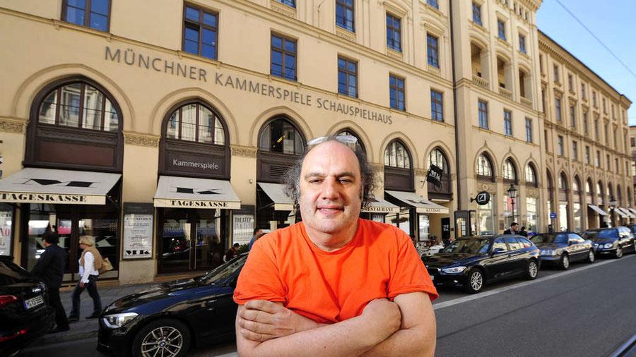 Eine Bühne und ihr Zertrümmerer: Matthias Lilienthal vor den Münchner Kammerspielen