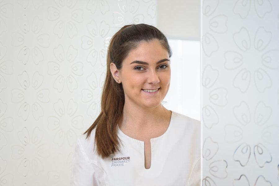 Dentalassistentin in Ausbildung Laura Ramadani