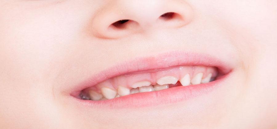 Kinder kommen gern in die Zahnarztpraxis Dr. Farspour