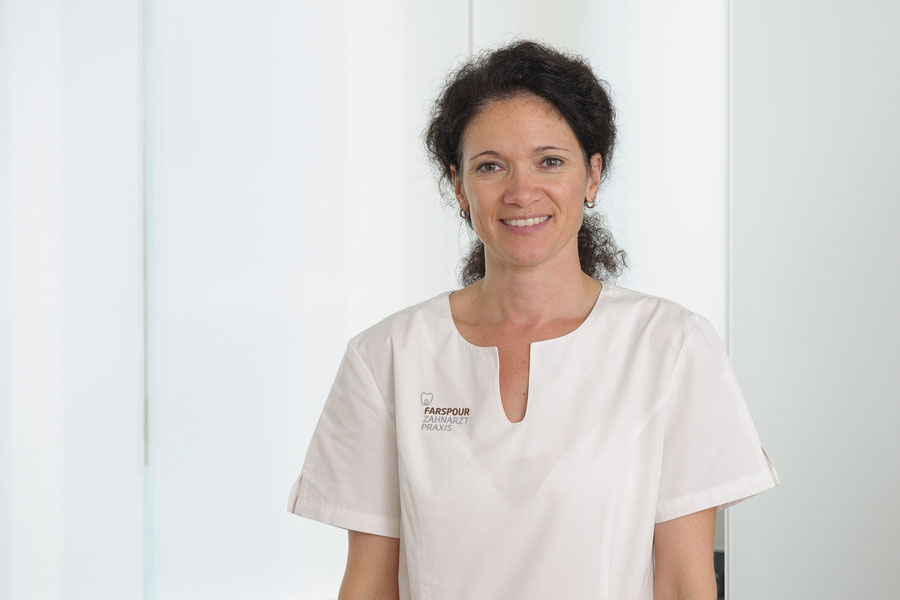 Certified dental assistant Regula Kälin