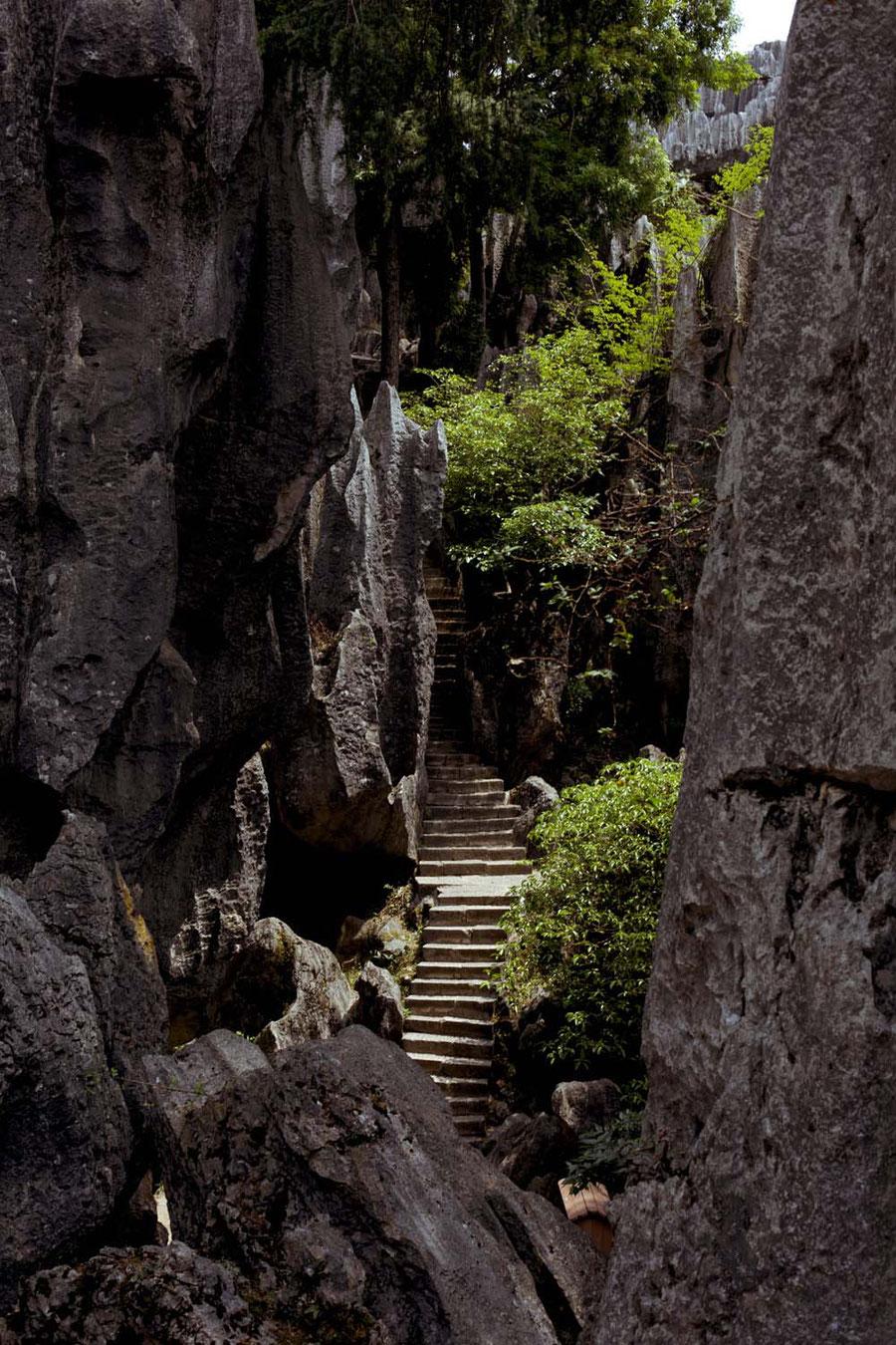 Wo Berge sind, sind auch Schluchten, Steinwald, Kunming, China