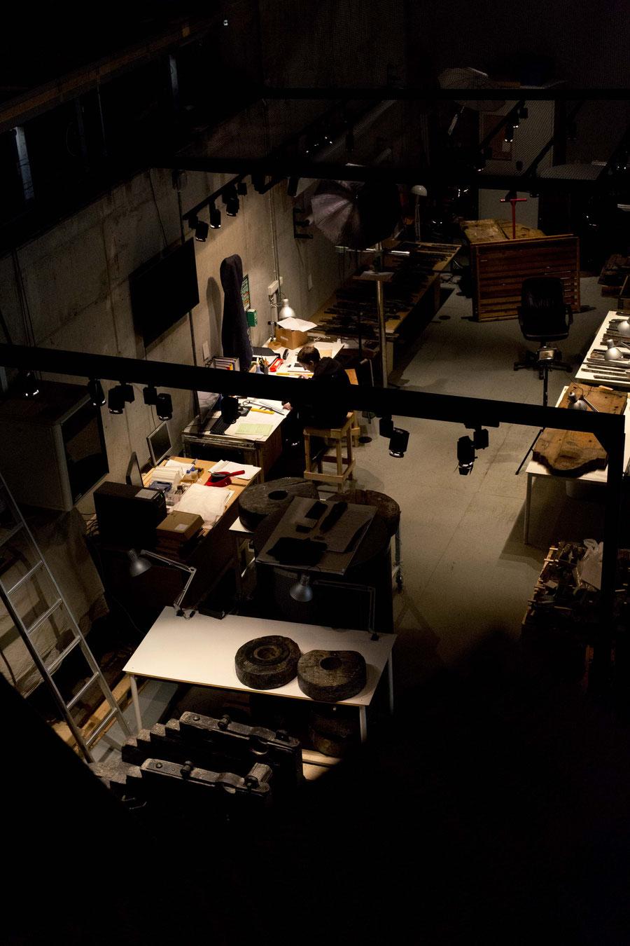 Restauratoren und Archäologen bei der Arbeit, Vasamuseum, Stockholm, Schweden