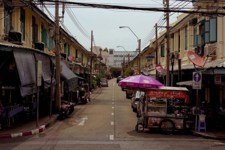 Eine Straße in Bangkok, Thailand