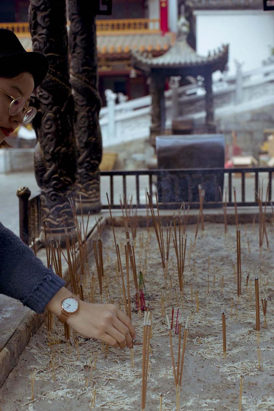 Räucherstäbchenwünsche, Kunming, China