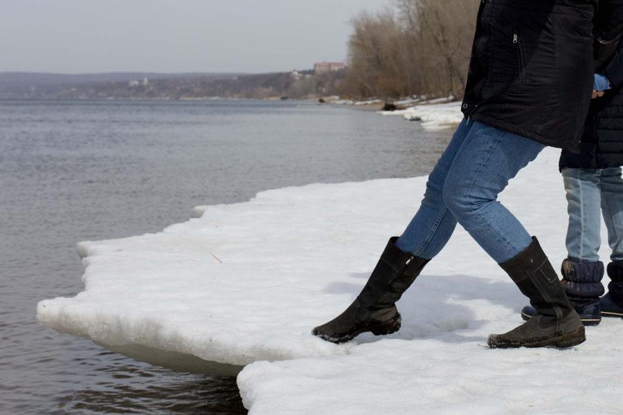 Flusseisschollen, Samara, Russland