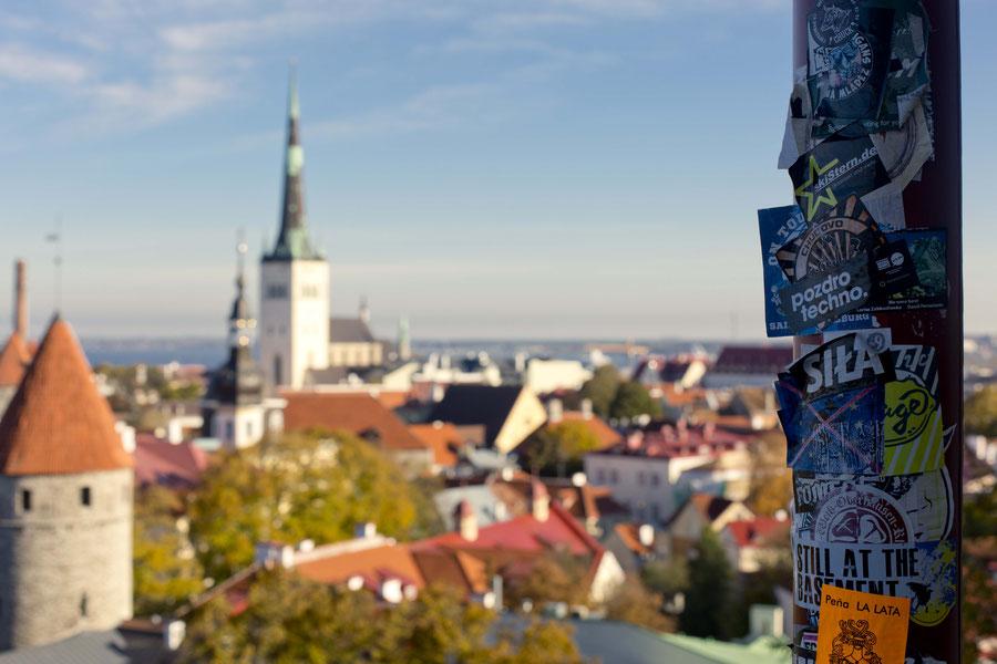 Ausblick auf Talinn, von der Altsadt gen Meer, Estland