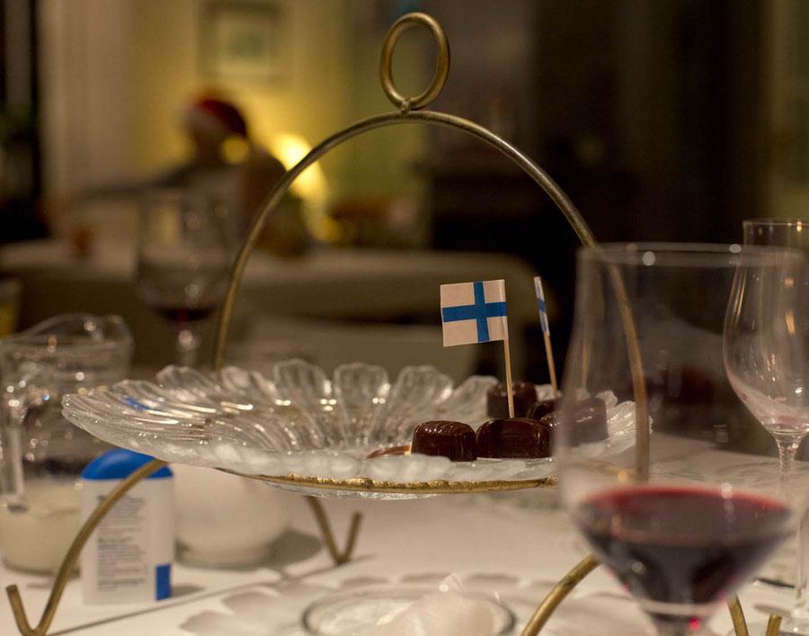 Dessert mit Finnischer Flagge