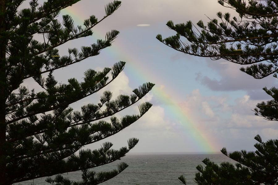 Regenbogen überm Meer, Wollongong, Australia