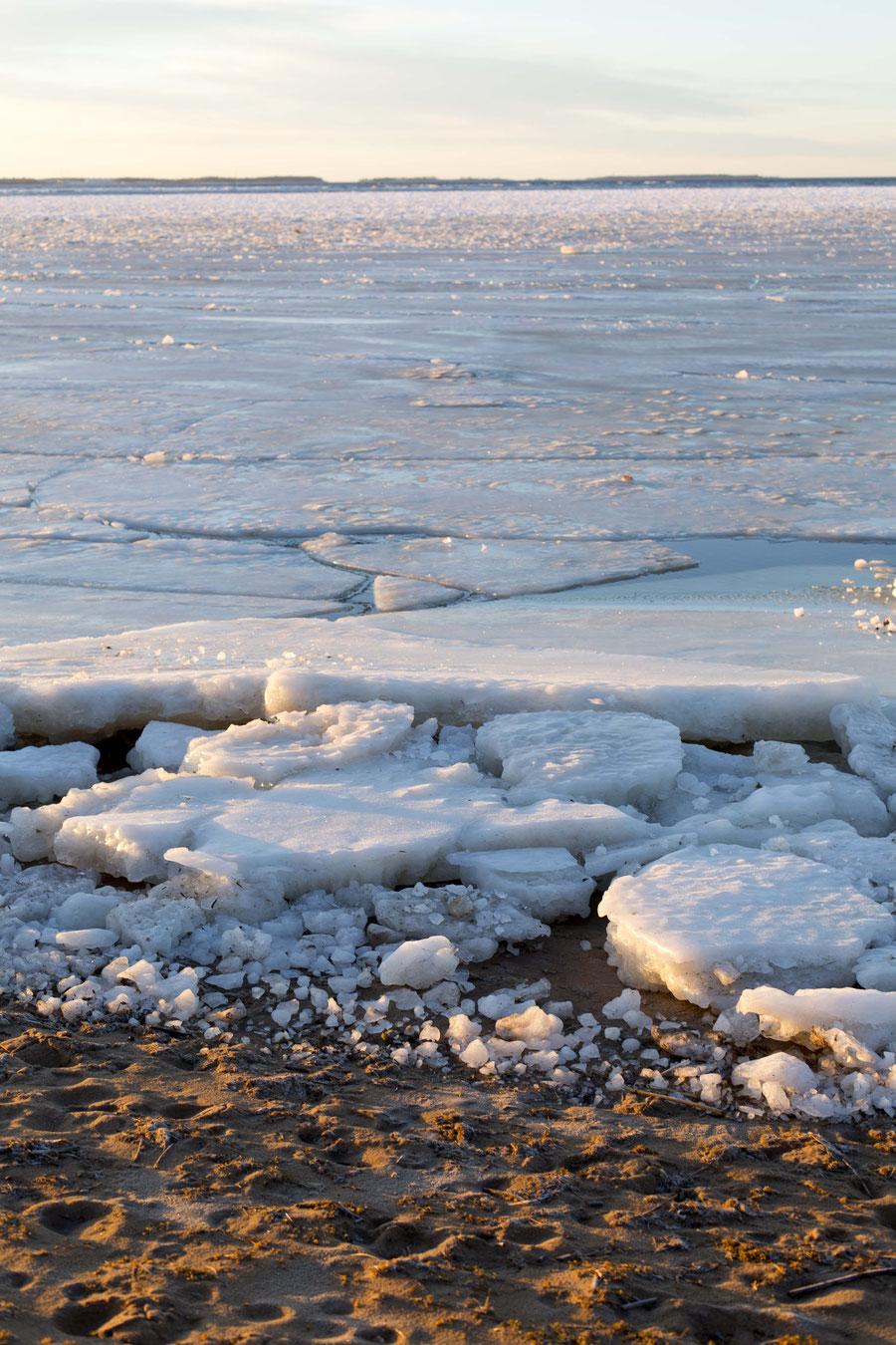 Strand und Eis, Kalajoki, Finnland