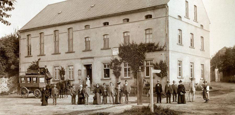 Der Geschichte verpflichtet - Historische Aufnahme des Bröhsener Gasthofes um 1900