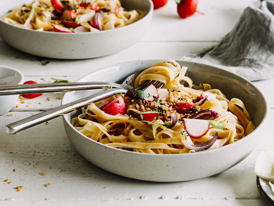 Pasta mit Radieschen und Chicorée - vegetarisch