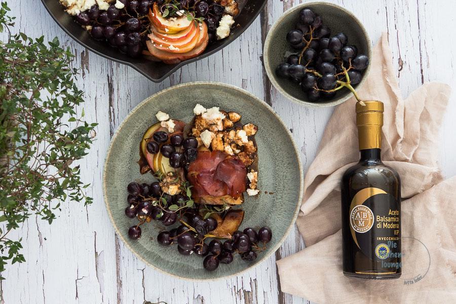 Putenbrust mit Weintrauben in einer cremigen Balsamicosauce