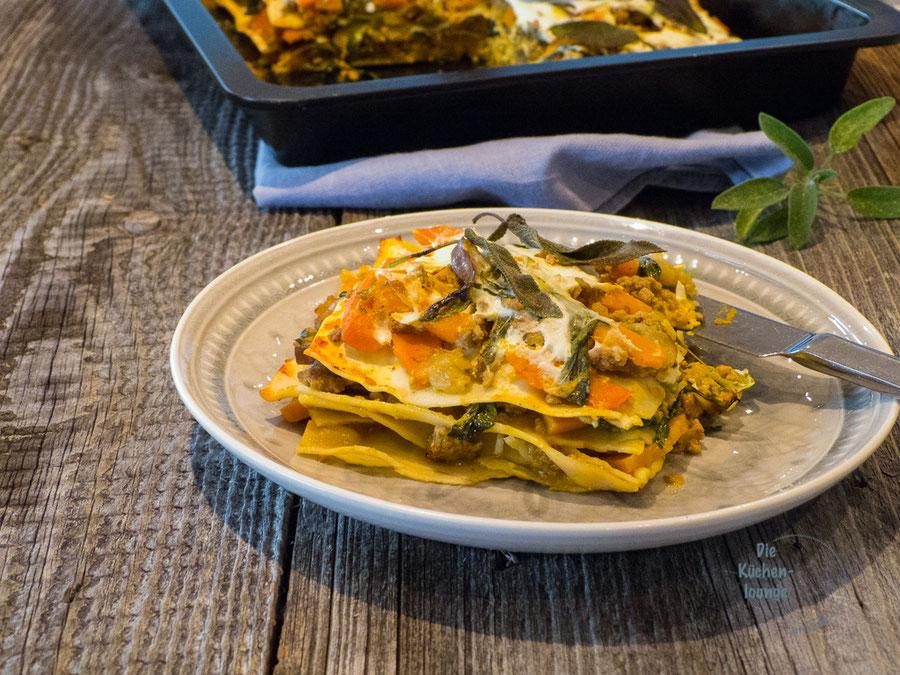 Saftige Kürbis-Hackfleisch-Lasagne & Salbei