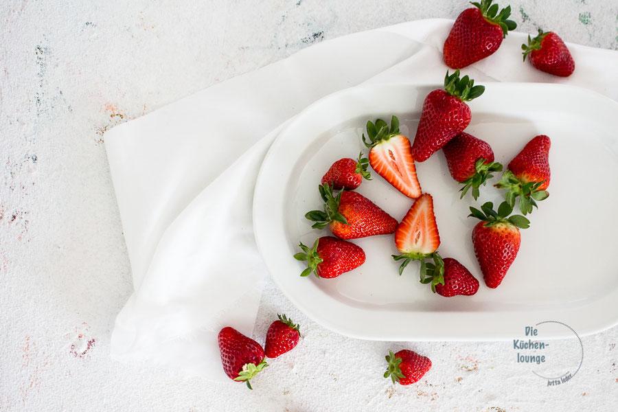 Erdbeeren auf einem Teller