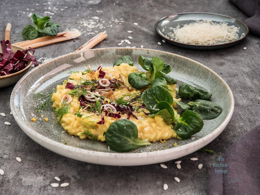 Beschwiptes Risotto mit Parmesankäse und Zitronengras