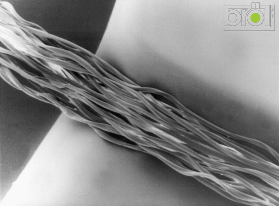 Die erste Berührung eines Faserbündels mit Bröll-Keramik; Tribologie, Verschleiss, Reibung, Kontakt