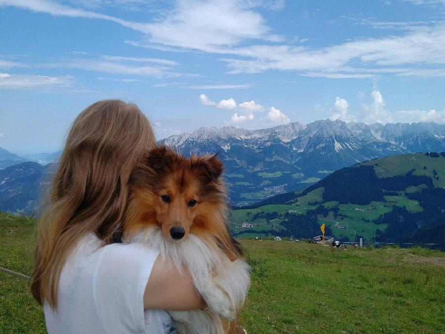 Indian Sammy of Atocha genießt seine Urlaub im schönen Tirol.