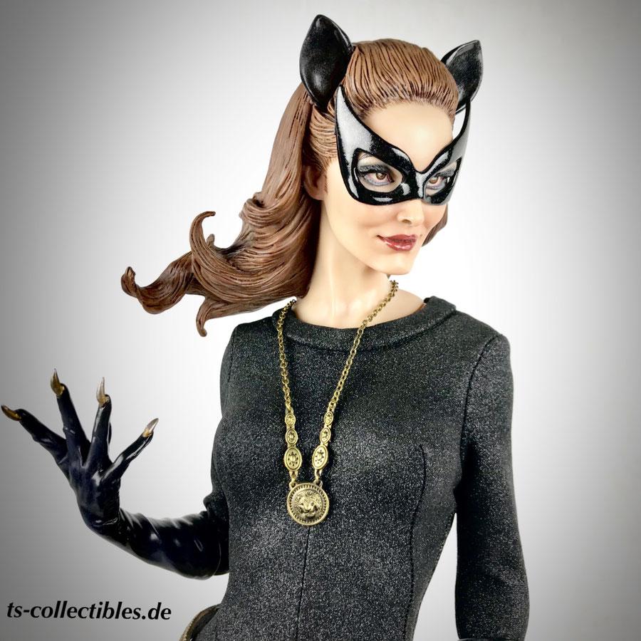 Catwoman Exclusive 1966 1/4 Premium Format DC Batman Classic TV Series 51cm Statue Sideshow Ss300249