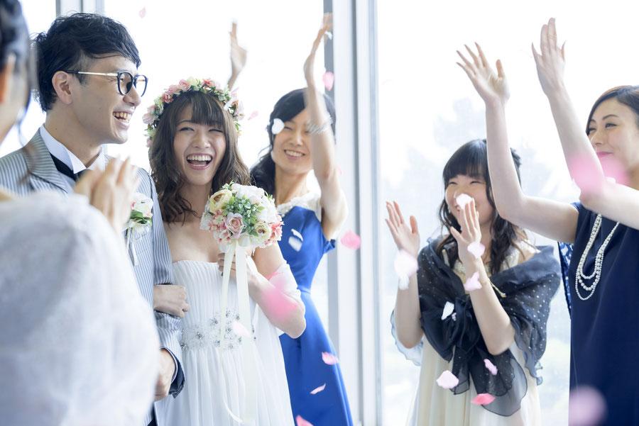 デザイン婚姻届を結婚式で飾る。二人だけのオリジナルなウェディングアイテムに。