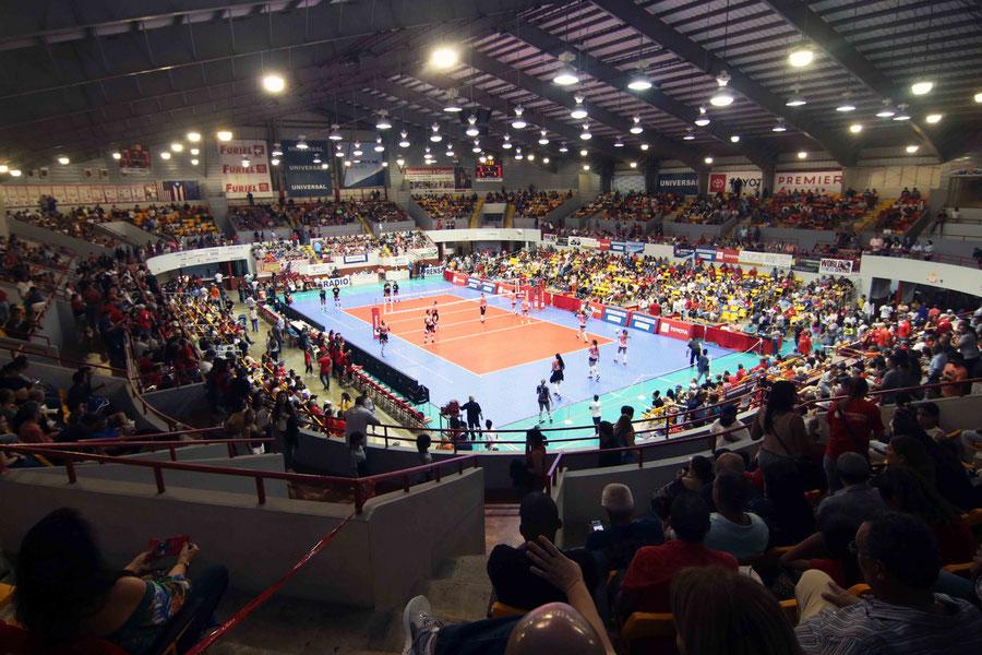 El Coliseo Roger Mendoza de Caguas fue el escenario del cuarto partido de la Final entre Caguas y Naranjito / Foto por Genesis U. Rosario