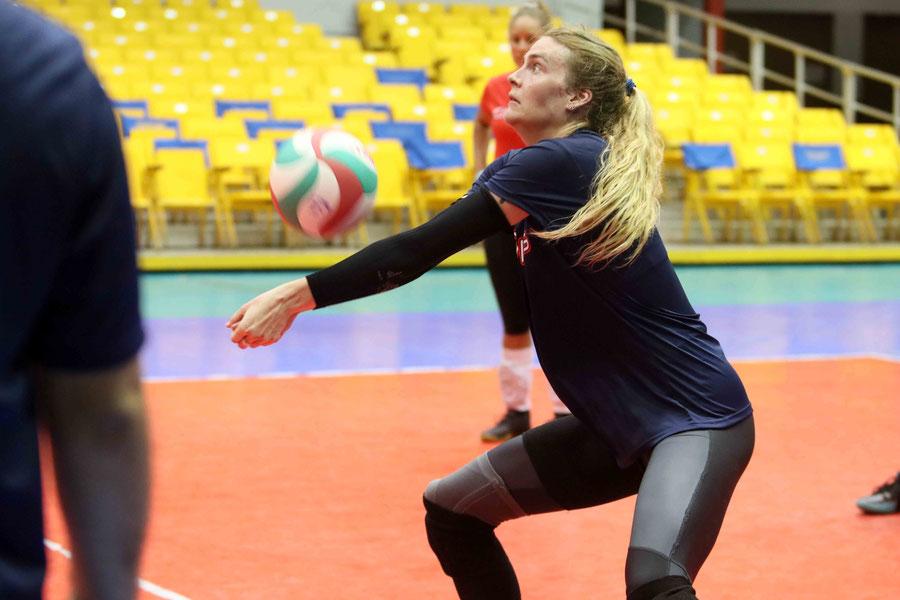 Sandbothe  de 6 pies 2 pulgadas su experiencia más reciente fue con USA en su liga Athletes Unlimited Volleyball / Foto por Heriberto Rosario Rosa