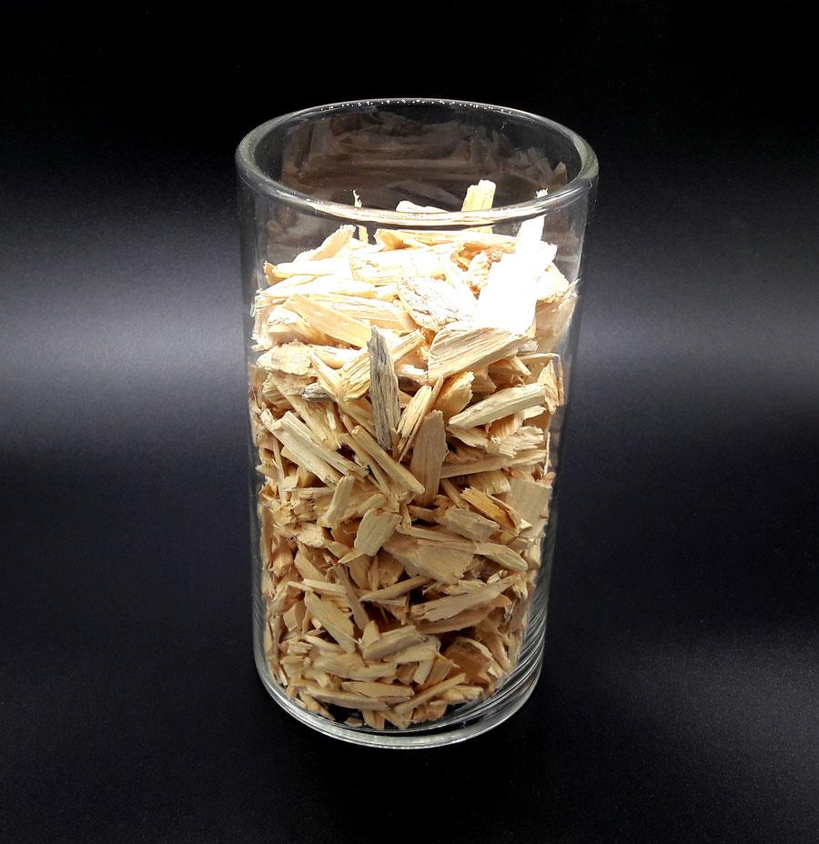 Zirben Holz Hackgut, besser Schlafen mit der Eigenschaft und Wirkung von Zirbenholz!